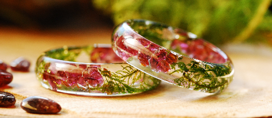 beatiful red garnet and moss ring for girl